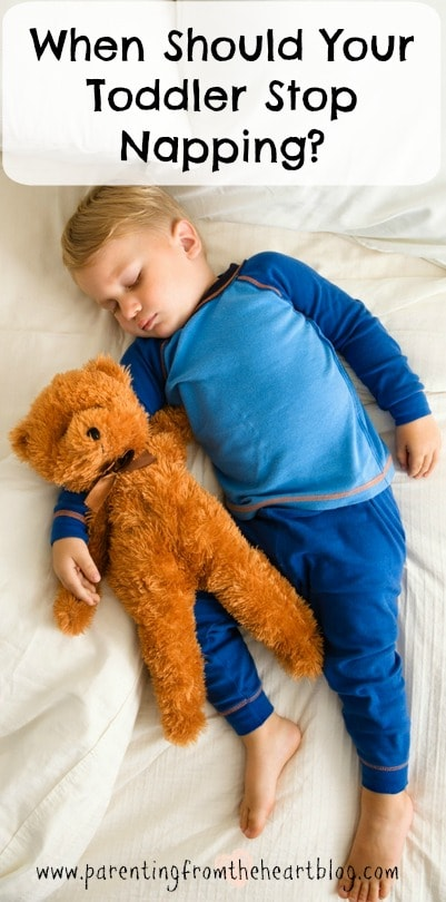 When should your toddler stop napping? Find out what a sleep consultant says the signs are to look for! Parenting toddlers, toddler sleep, toddler isn't napping, nap tips, sleep tips