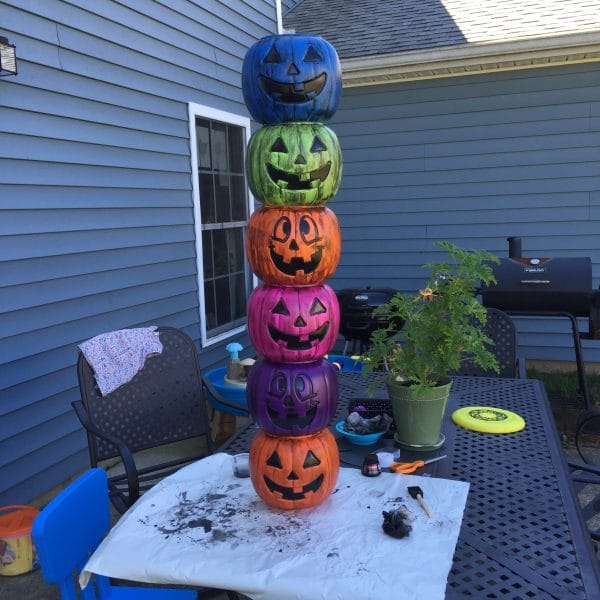 Inexpensive Easy DIY Halloween Decor | totem poll from Twitchetts.com