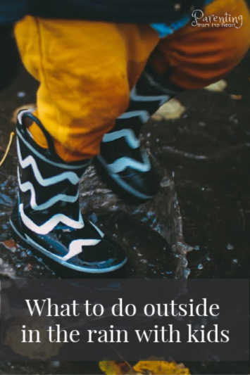 When rainy weather sets in, kids become restless. They get cabin fever and parents end up irritated because the kids are bouncing off the walls. Here you will find tips on what to do outside on a rainy day. These activities are fun and require little to no prep! #kidsactivities #parentingtoddlers #toddlers #toddleractivities #playbasedlearning #learningthroughplay #earlychildhoodeducation
